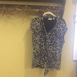 Black and gray print shirt